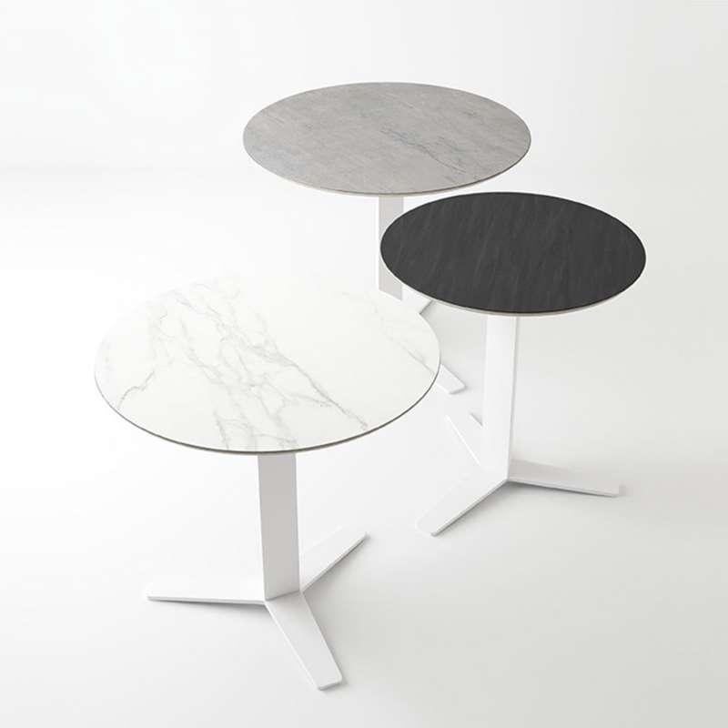 table ronde petit espace en c ramique et m tal peliccan 4 pieds tables chaises et tabourets. Black Bedroom Furniture Sets. Home Design Ideas