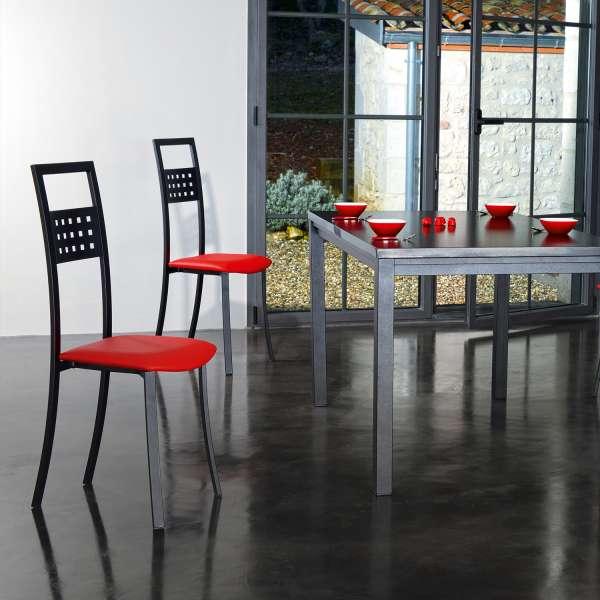 chaise de cuisine fabrication fran aise en m tal et synth tique daphn 4 pieds tables. Black Bedroom Furniture Sets. Home Design Ideas