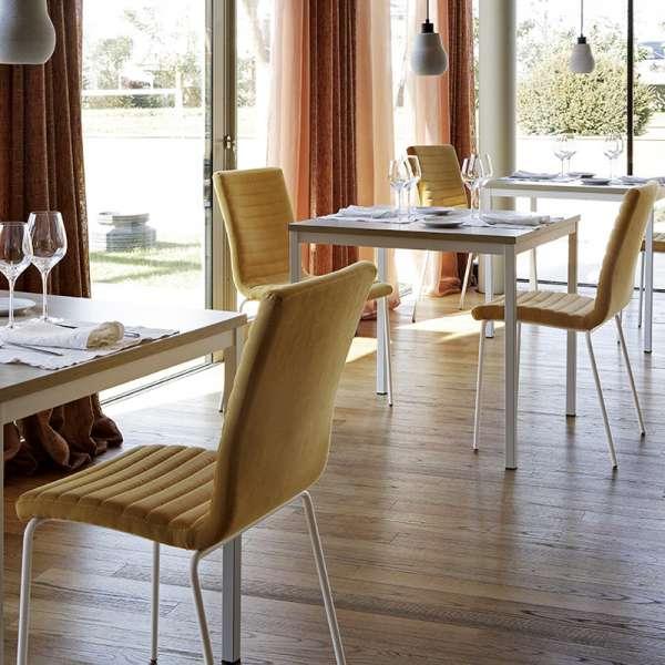 Chaise moderne empilable en tissu et métal - Krono Midj®