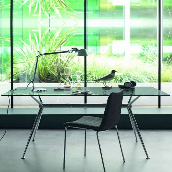 Table en verre design avec pieds en x métalliques - Brioso Midj®