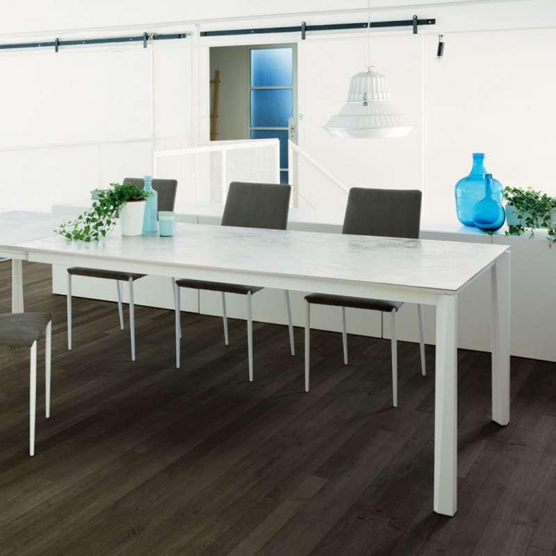 Table extensible moderne en c ramique et acier laqu for Table extensible moderne