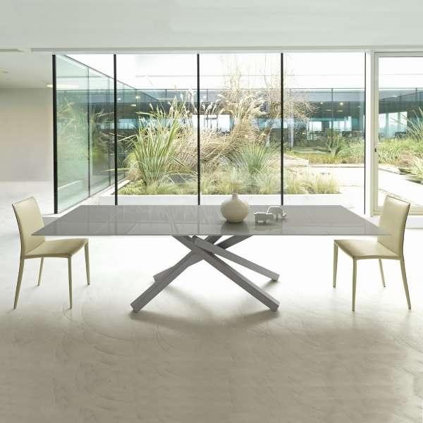 Table design extensible en verre trempé et piétement mikado en métal - Péchino Midj®