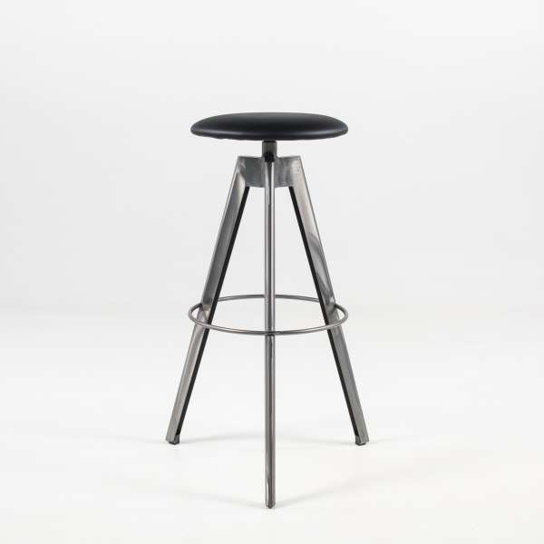 tabouret de bar pivotant sans dossier en synth tique et m tal v rone 4 pieds tables. Black Bedroom Furniture Sets. Home Design Ideas