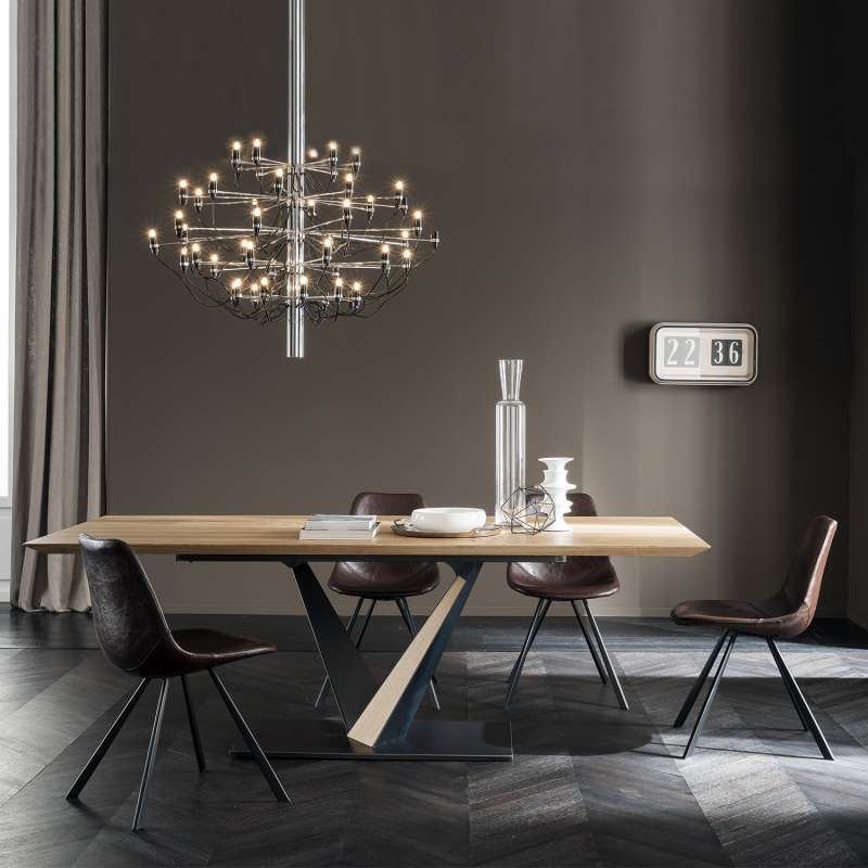 table design style industriel avec pied central en v et plateau en ch ne massif toledo west. Black Bedroom Furniture Sets. Home Design Ideas