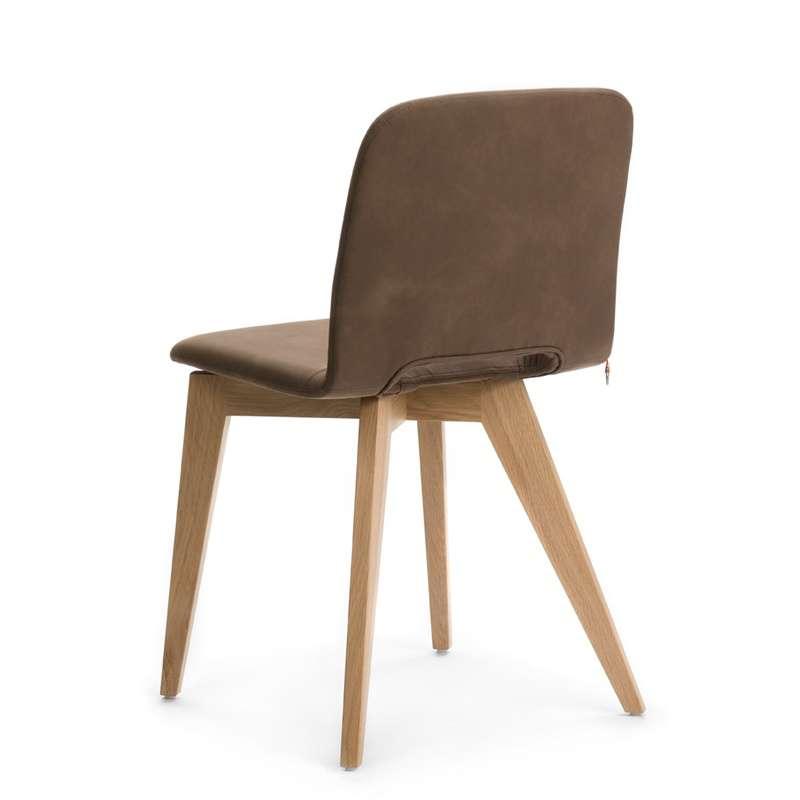 chaise scandinave en tissu avec pieds en bois pamp mobitec 4 pieds tables chaises et. Black Bedroom Furniture Sets. Home Design Ideas