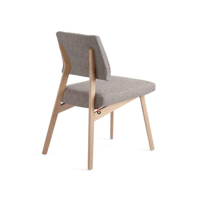 chaise grise en tissu et bois massif lindsay mobitec 4 - Chaise Grise Scandinave