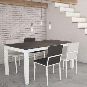 Table de salle à manger extensible en céramique Iron Moss et métal blanc avec chaises Ole - Tokio