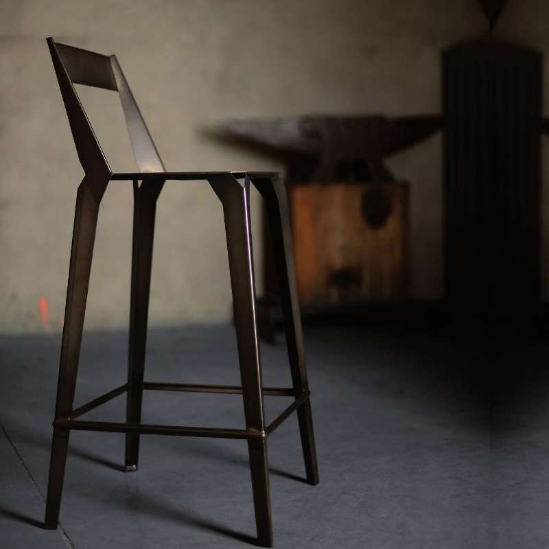 tabouret snack industriel fran ais en m tal avec dossier valence 4. Black Bedroom Furniture Sets. Home Design Ideas