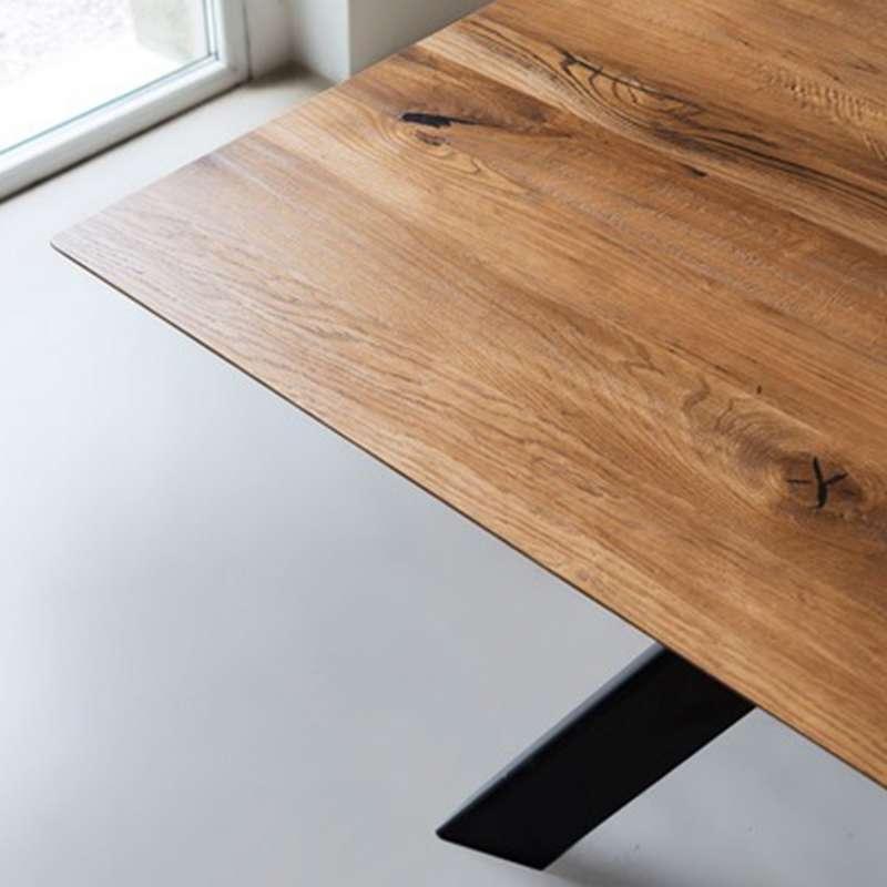 Table Design Carree En Bois Massif Avec Pieds En Metal Finition