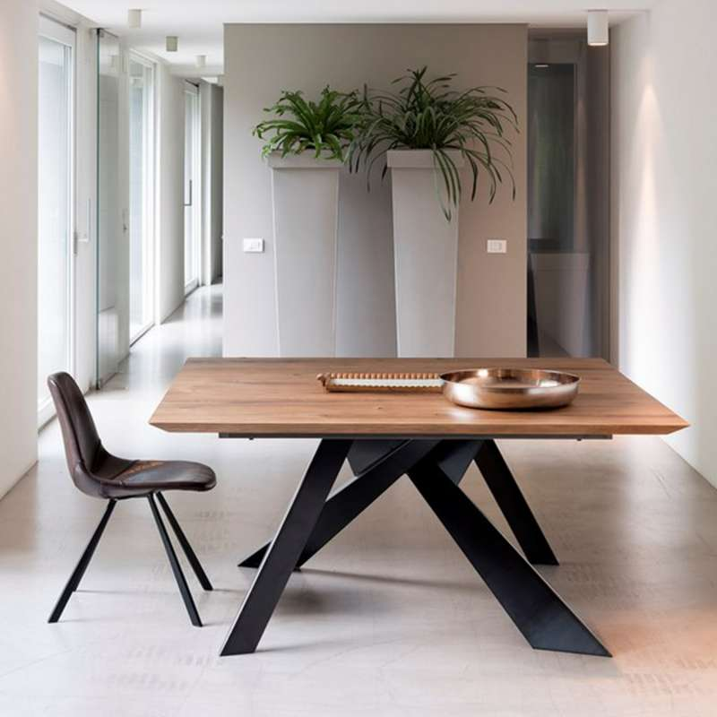 table design carr e en bois massif avec pieds en m tal. Black Bedroom Furniture Sets. Home Design Ideas
