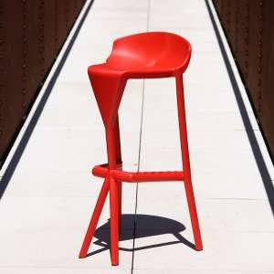 Tabouret extérieur design empilable en technopolymère rouge - Shiver