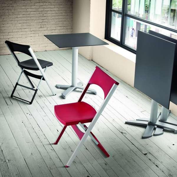 Chaise pliante solide en technopolymère et métal aluminium - Compact