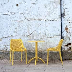 Chaise de jardin moderne ajourée en polypropylène jaune - Air