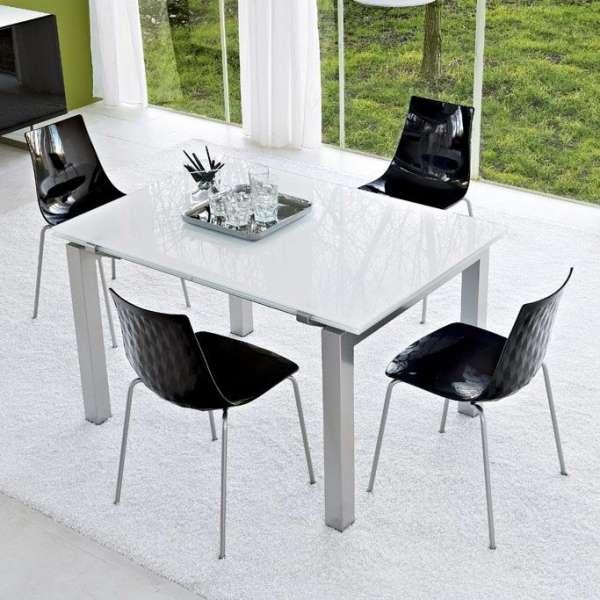 Table en verre design extensible airport connubia 4 for Table en verre extensible design
